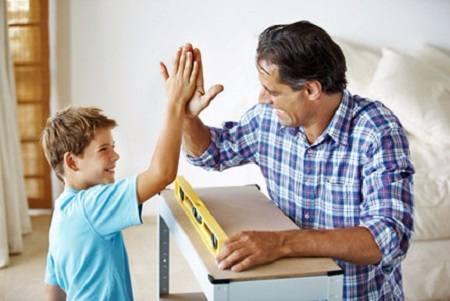 Dàn ý bài văn kể 1 việc đã làm khiến bố mẹ vui lòng – TLV số 2, Lớp 8