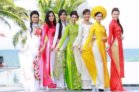 Dàn ý thuyết minh chiếc áo dài Việt Nam Lớp 8
