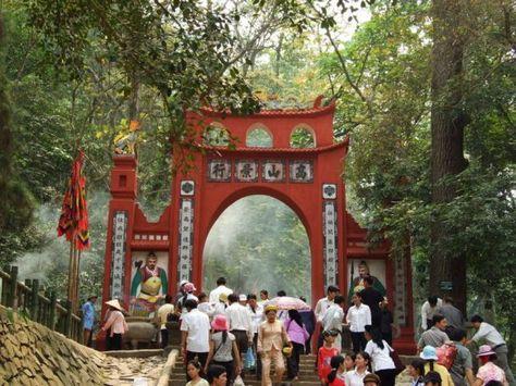 Kể về một cuộc đi thăm di tích lịch sử đền Hùng