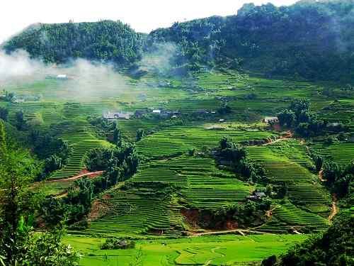 Vẻ đẹp thiên nhiên và con người trong bài thơ Việt Bắc