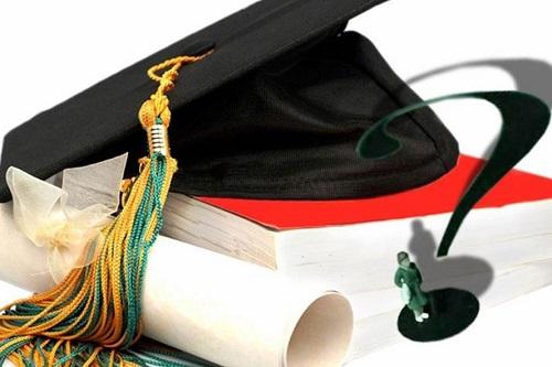 Phân biệt bằng đại học chính quy và đại học tại chức