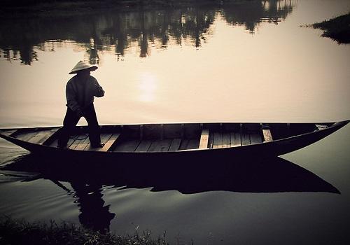 tóm tắt Người lái đò sông Đà